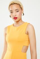 Missguided - Tab side culotte jumpsuit - yellow
