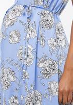 Cherry Melon - Maternity Sleeveless shirt dress - blue & white
