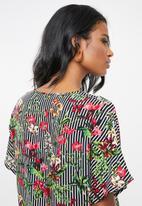 edit Maternity - Maternity Knot front blouse - multi