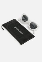 Superbalist - Feral sunglasses - white