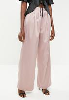 Missguided - Pleat detail wide leg trouser - pink