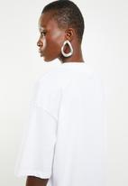 Superbalist - Hi neck grown on sleeve tee - white