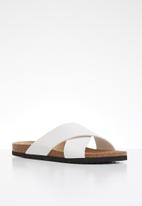 Brave Soul - Dawson cross strap slider sandals - white