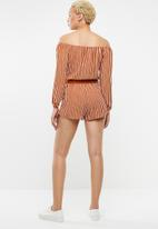 Forever21 - Off shoulder long sleeve playsuit - rust & white