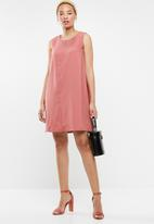 c(inch) - Easy fitting dress - pink