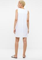 c(inch) - Easy fitting dress - white