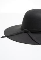 Superbalist - Symz wide brim hat - black