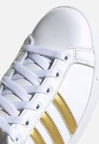 adidas Originals - Coast Star - ftwr white / gold met / core black