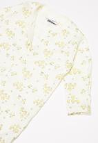 POP CANDY - Baby boys sleepsuit - white