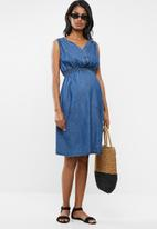 Cherry Melon - Maternity Sleeveless denim dress - blue