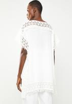 Revenge - Batwing lace tunic - white