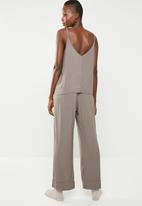Superbalist - Sleep cami & pants set - taupe