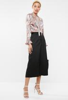 Missguided - Paisley tie front cropped blouse - multi