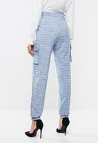 Missguided - Check cargo jogger pants - blue