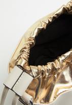 Superbalist - Cheryl metallic bucket bag - gold & beige