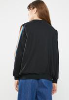 c(inch) - Rainbow stripe sweater - black