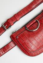 Superbalist - Saddle croc like belt bag - red