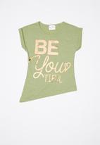Rebel Republic - Printed short sleeve tee - green