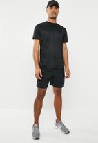 New Balance  - Accelerate 7inch shorts - black