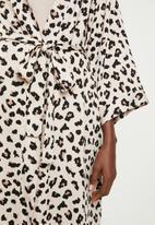 Superbalist - Animal print robe - neutral & black