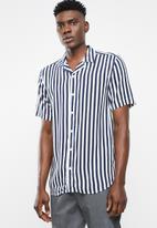 Only & Sons - Wayne short sleeve striped viscose shirt - navy