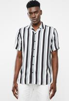 Only & Sons - Wayne short sleeve new striped viscose shirt - blue & black