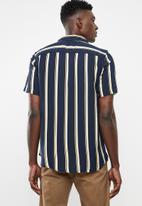 Only & Sons - Wayne short sleeve new striped viscose shirt - yellow