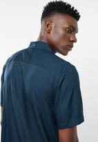 Only & Sons - Mark short sleeve short viscose striped shirt - navy