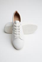 ONLY - Sage embroidery sneaker - white