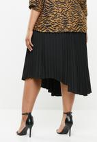 Superbalist - Asymmetrical hem pleated skirt - black