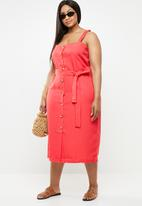 STYLE REPUBLIC PLUS - Button down linen like dress - red