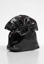 Superbalist - Vera pantent chain bag - black