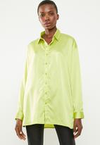 Missguided - Satin oversized shirt - green