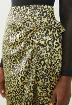Missguided - Animal print tie side midi skirt - yellow & black