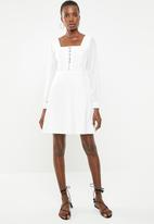 Missguided - Milkmaid hook and eye organza dress - white
