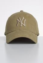 New Era - 9forty womens micro cord new york yankees - beige