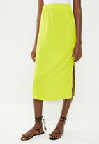 Missguided - Stretch satin midi skirt - lime green
