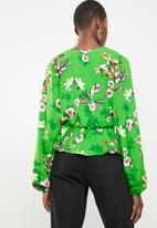 Superbalist - Feminine blouse with peplum - green