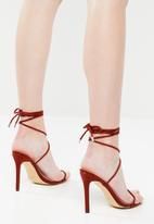 Public Desire - Slinky heel - red