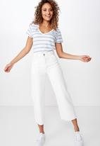 Cotton On - The deep V-tee - blue and white
