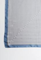 Joy Collectables - Stripe scarf - grey and blue