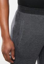 Asics Tiger - AHQ FT shorts - black