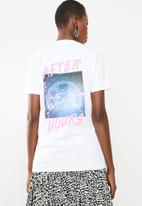 Missguided - After hours back graphic T-shirt - white