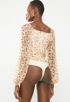 Missguided - Milkmaid ditsy floral long sleeve bodysuit - orange