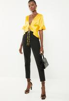 Missguided - Short sleeve tie front crop - yellow