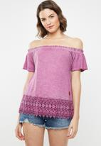 Lizzy - Emillie tee - purple