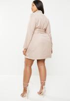 Missguided - Belted blazer dress - neutral