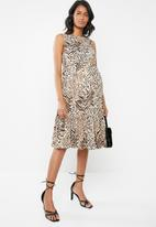 New Look - Maternity Animal tier smock dress - beige/black