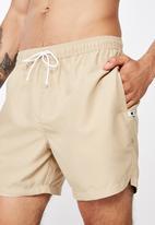 Cotton On - Basic swimshorts - beige