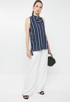 STYLE REPUBLIC - High neck kittybow blouse - multi